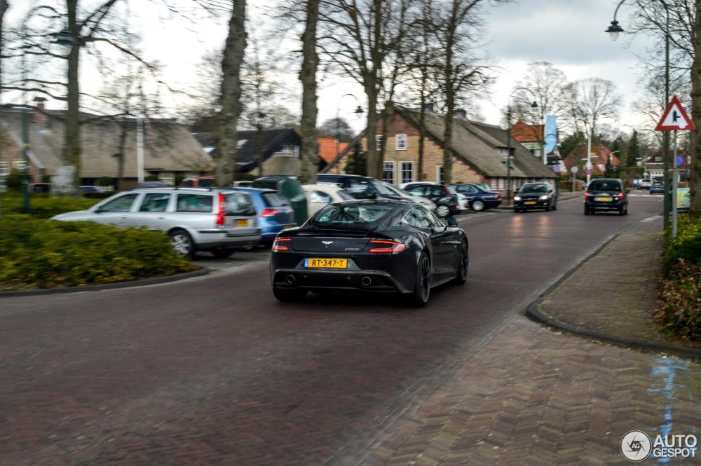 De Aston Martin Vanquish lijkt niet oud te worden