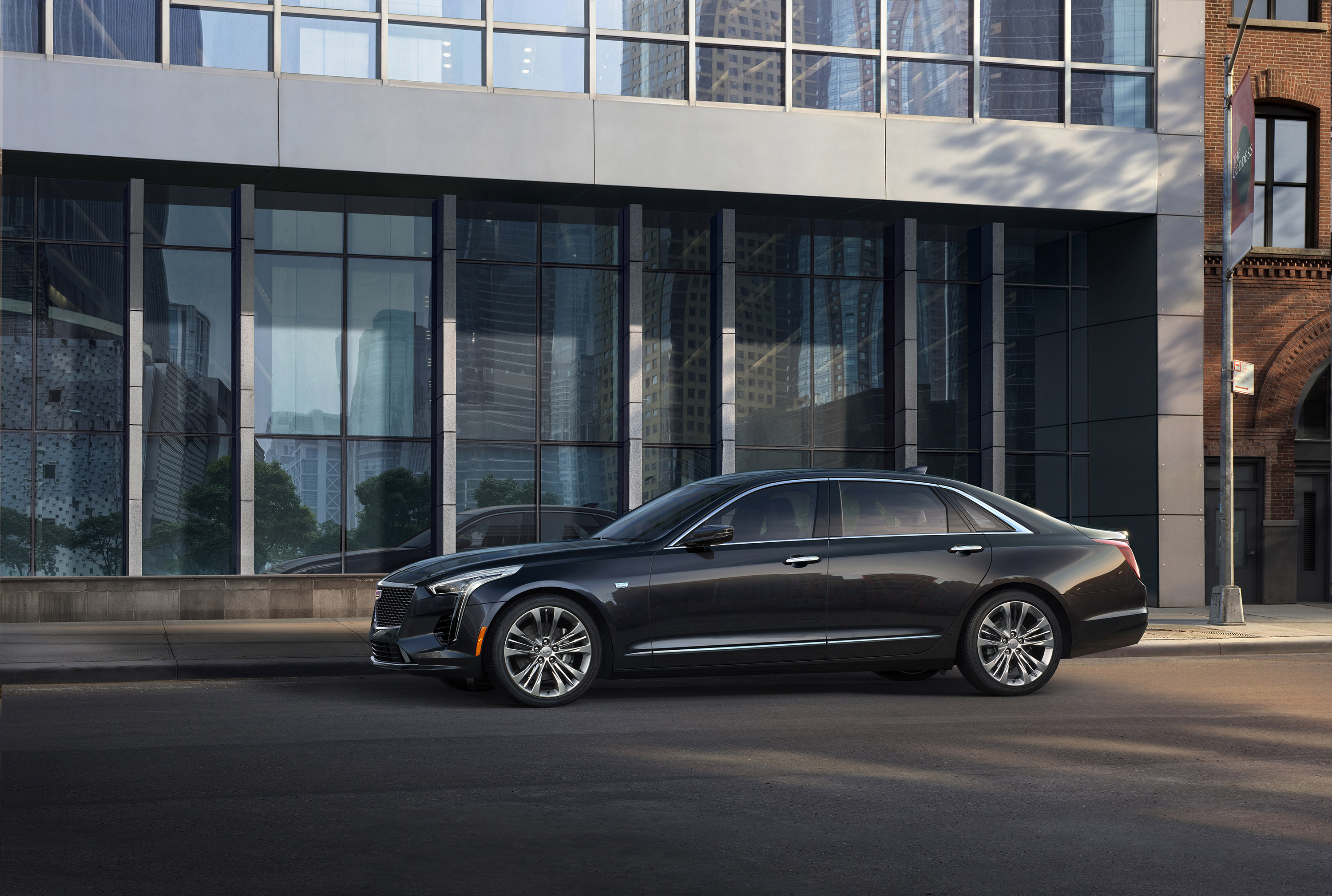 Cadillac CT6 V-Sport: not available everywhere