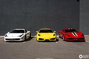 Kleurig Ferrari trio gespot in Denver
