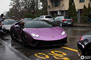Lamborghini Huracán Performante geniet zichtbaar van de aandacht