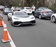 Filmpje: Mercedes-AMG Project One sluipt over straat
