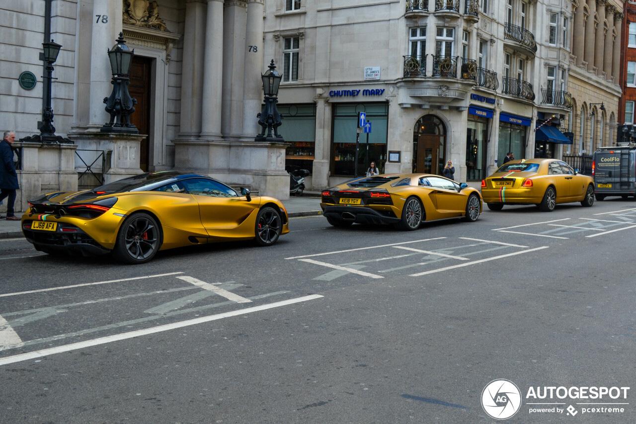 Gouden trio paradeert door Londen