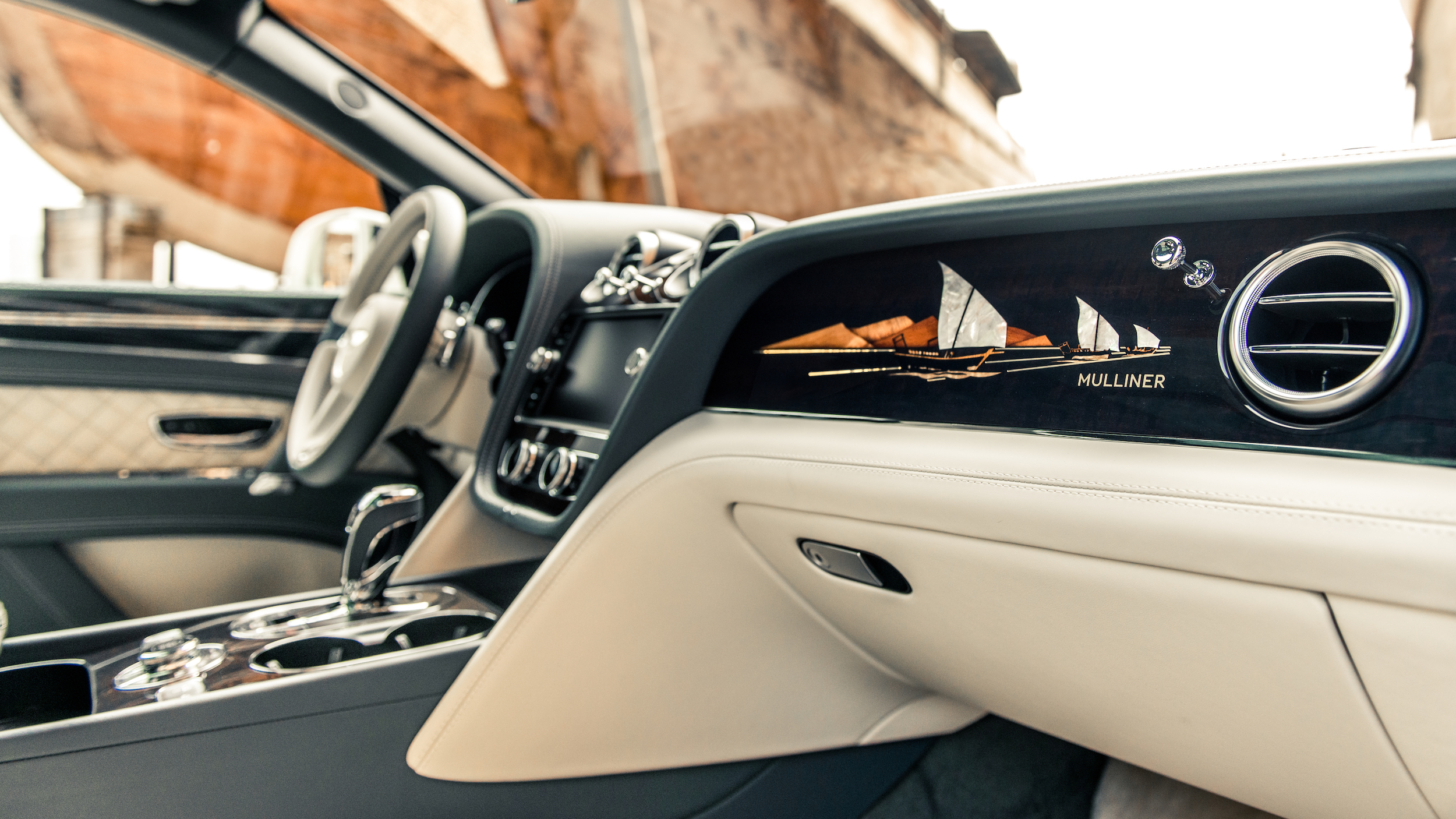 Exclusief: Bentley Bentayga Pearl Of The Gulf