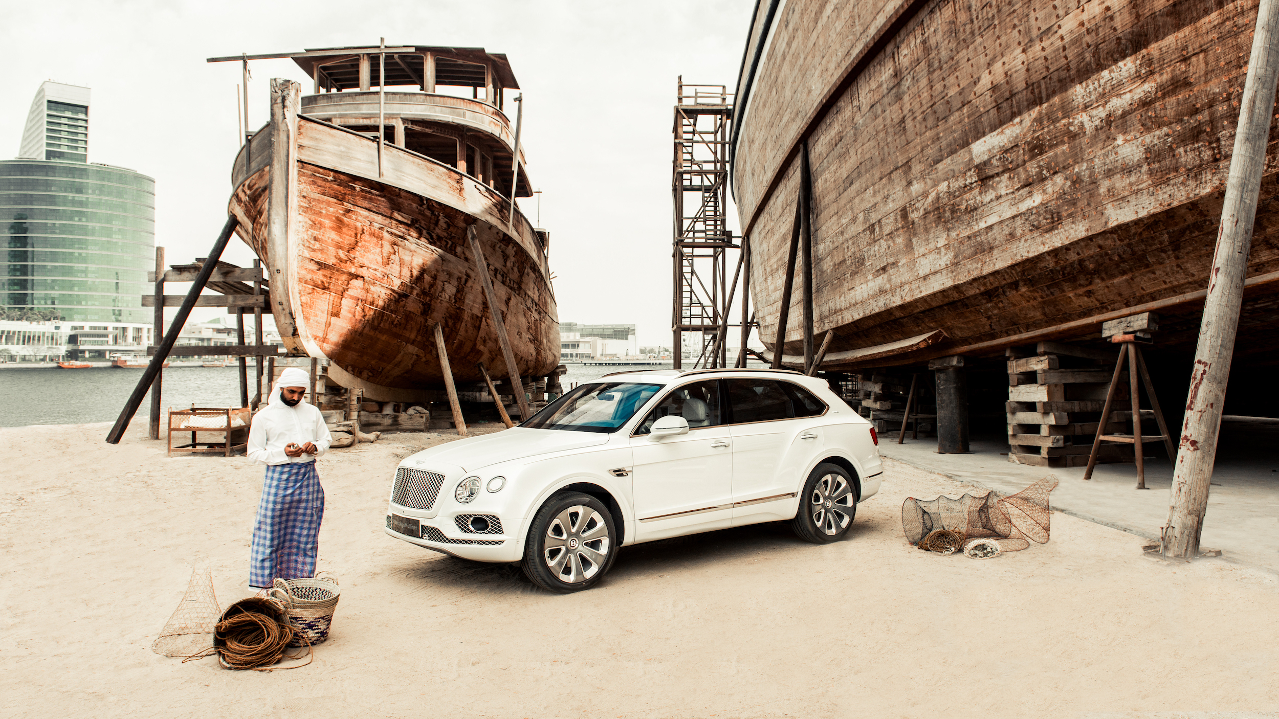 Exclusief: Bentley Bentayga Pearl Of The Gulf
