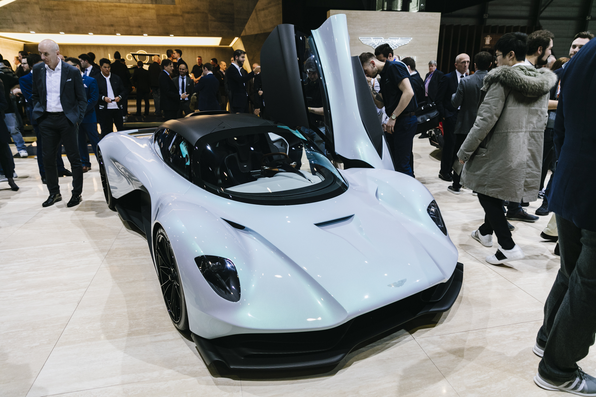 Genève 2019: Aston Martin RB-003 is auto uit de toekomst