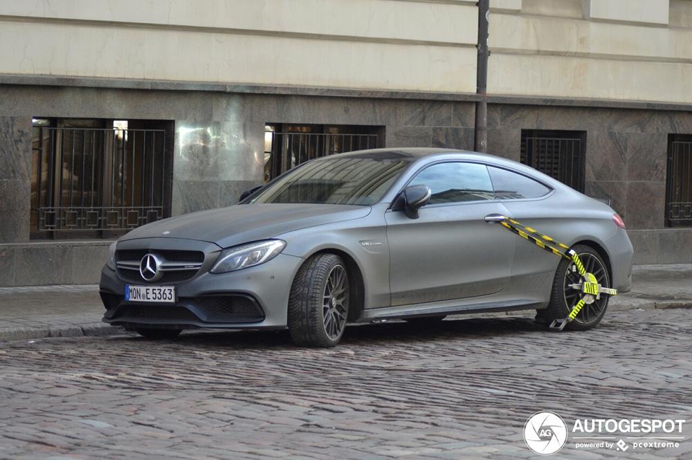 Mercedes-AMG C 63 S Coupé heeft heftige wielklem