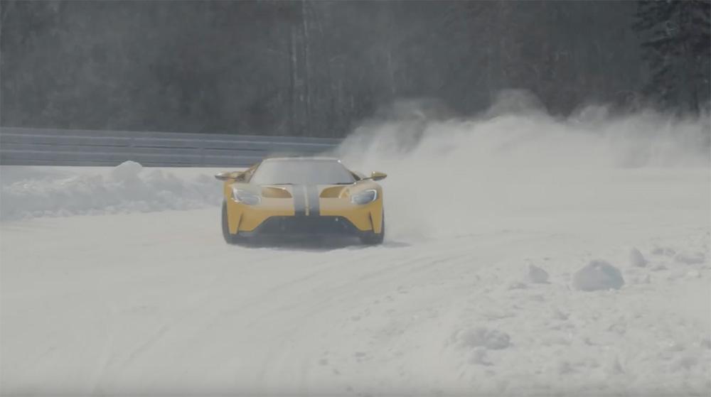 Filmpje: 14 jarige drift er op los in Ford GT