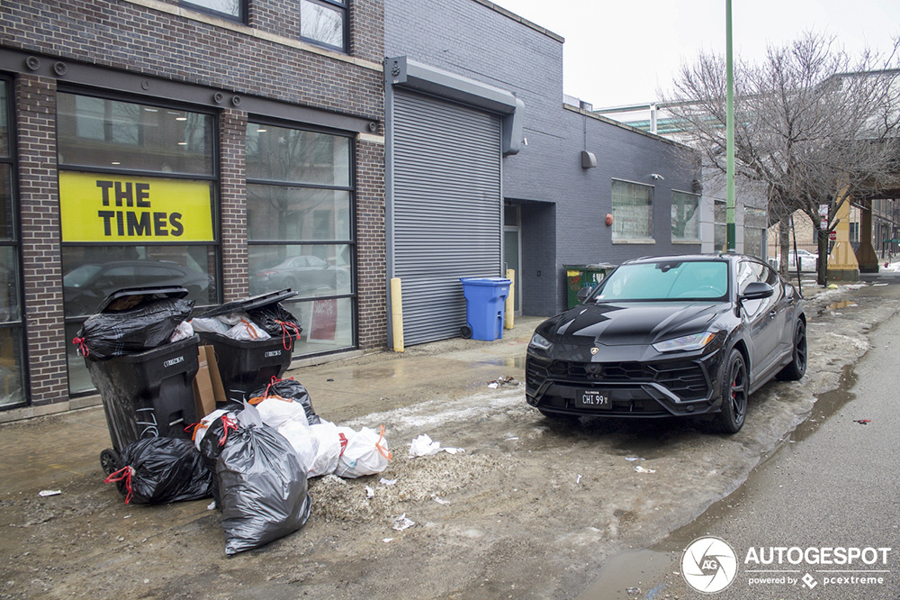 Lamborghini Urus staat nu al bij het vuil