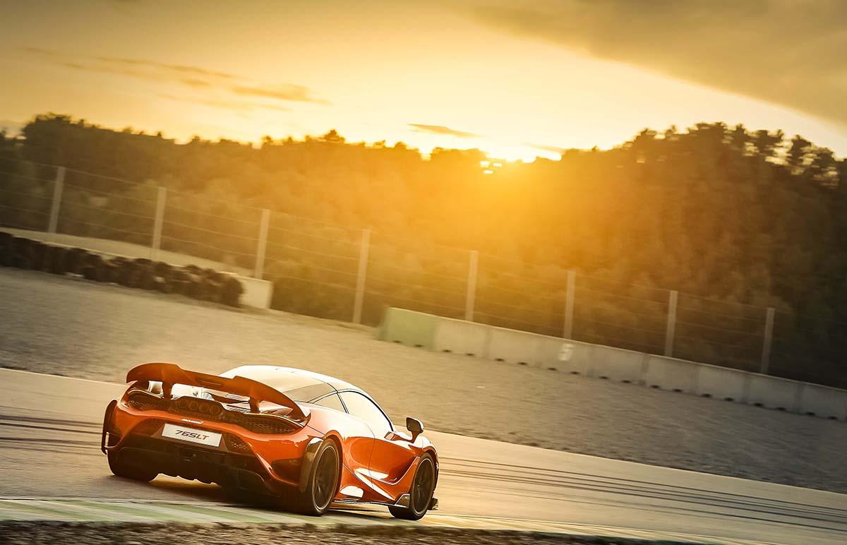 Lighter and more powerful: McLaren 765LT