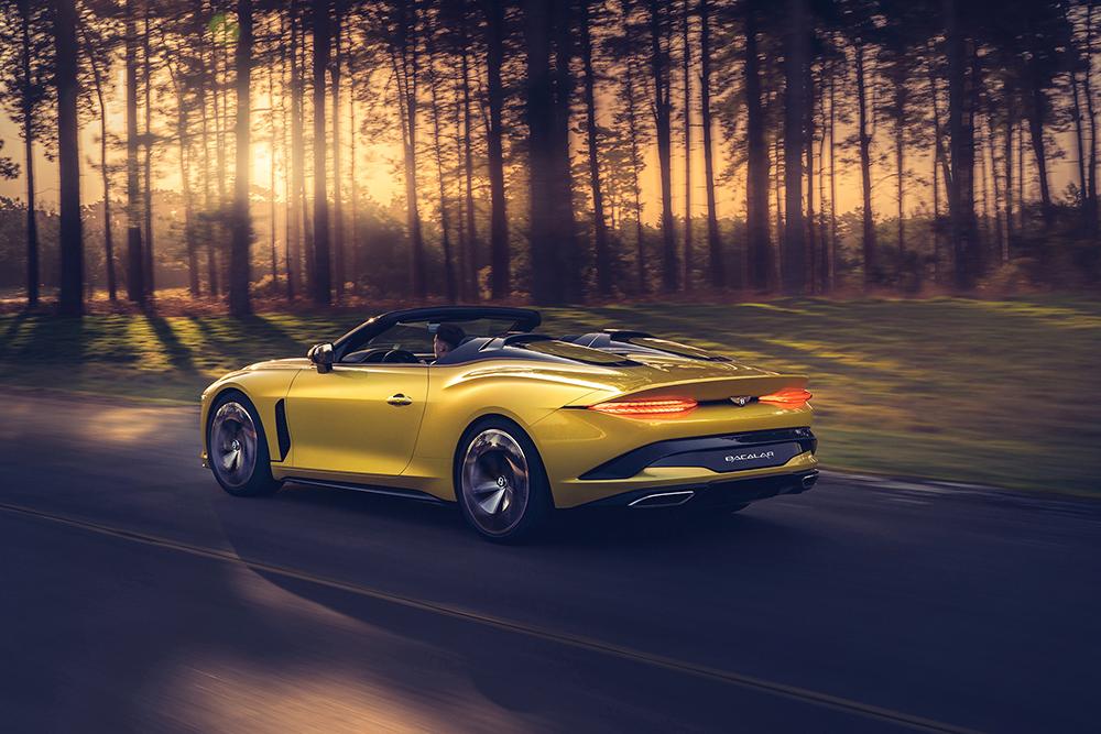 Bentley trekt komende vier weken stekker uit productie
