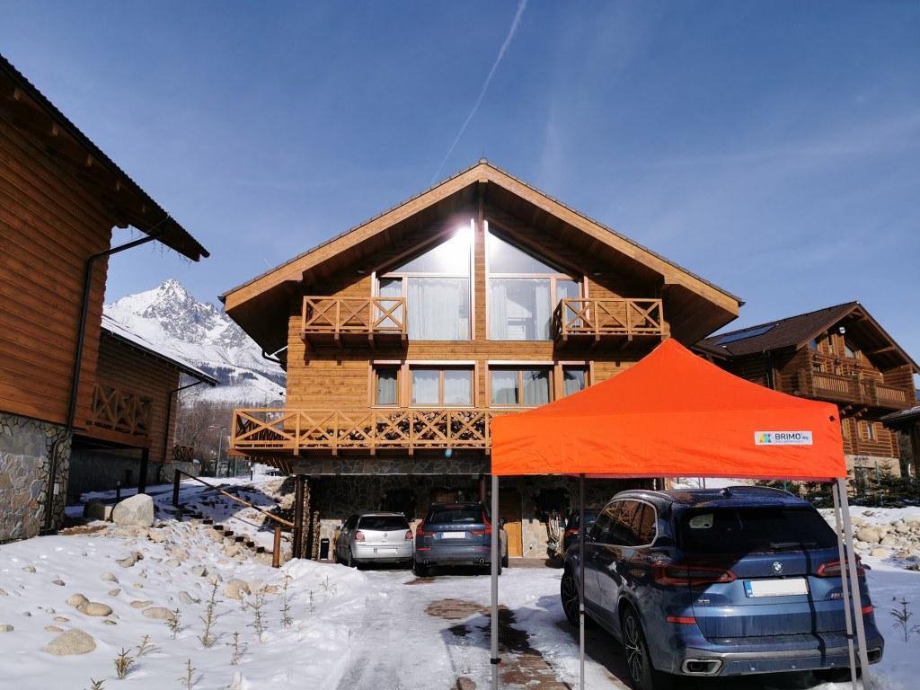Wartungsfreie Überdachung mit dem Faltpavillon
