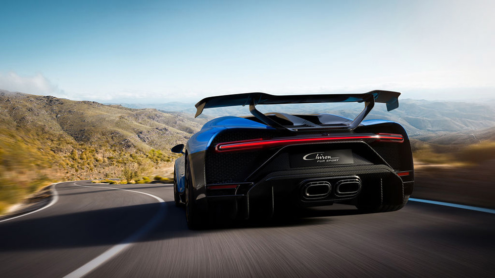 Fast in corners, voracious on country roads: Bugatti Chiron Pur Sport