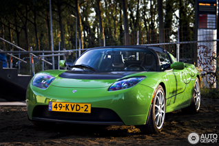 Recognize the car: Tesla Motors Roadster