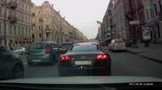 Видео: Неадекватный водитель на Audi R8 атакует Mazda