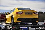 Une beauté italienne : une Maserati GranTurismo MC Stradale jaune