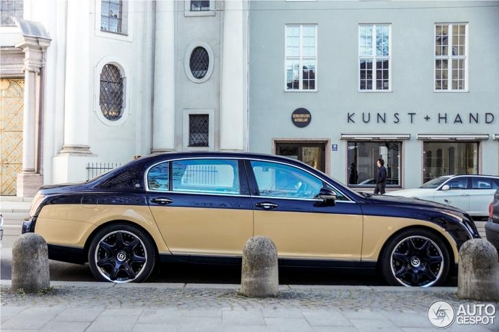 Bijzonder knappe two-tone Bentley Continental Flying Spur gespot