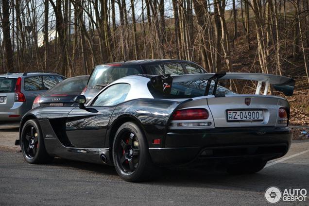 Topspot: Dodge Viper SRT-10 ACR 2010 7:12 Edition
