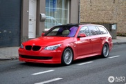 Il fallait oser : une Alpina B5 Touring rouge