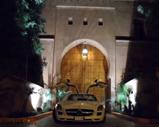 Driving through Marrakech with 300 kph in a Mercedes-Benz SLS AMG!