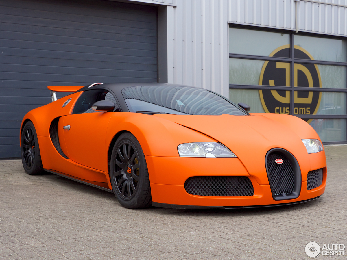 bugatti veyron is orange for king 39 s day. Black Bedroom Furniture Sets. Home Design Ideas