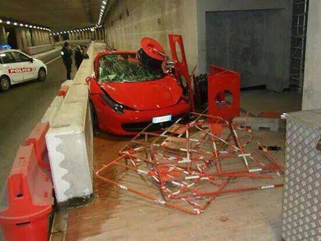 Bestuurder Ferrari 458 Spider is geen Formule 1 coureur