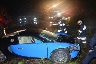 Bugatti Veyron 16.4 gecrasht in Oostenrijk