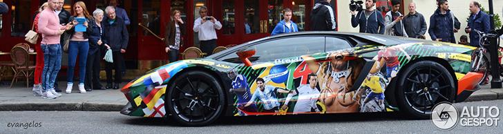 Lamborghini Aventador Phong Cách World Cup!
