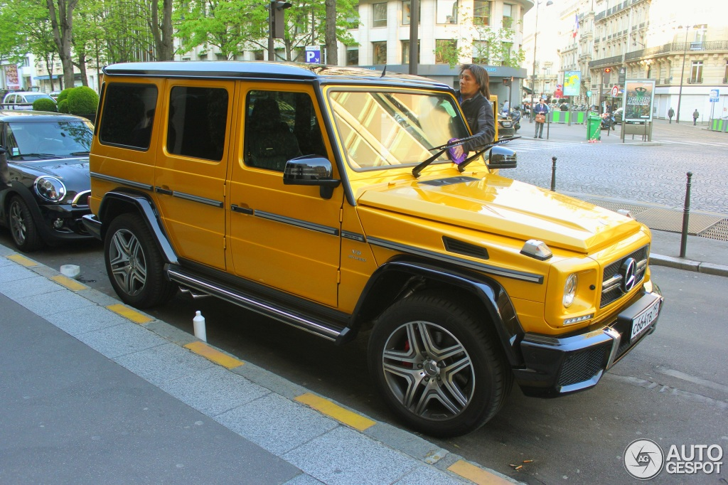 Mercedes G Cl Crazy Color Shows Off On The Streets