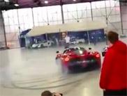 Vidéo: le beau cri d'un V12
