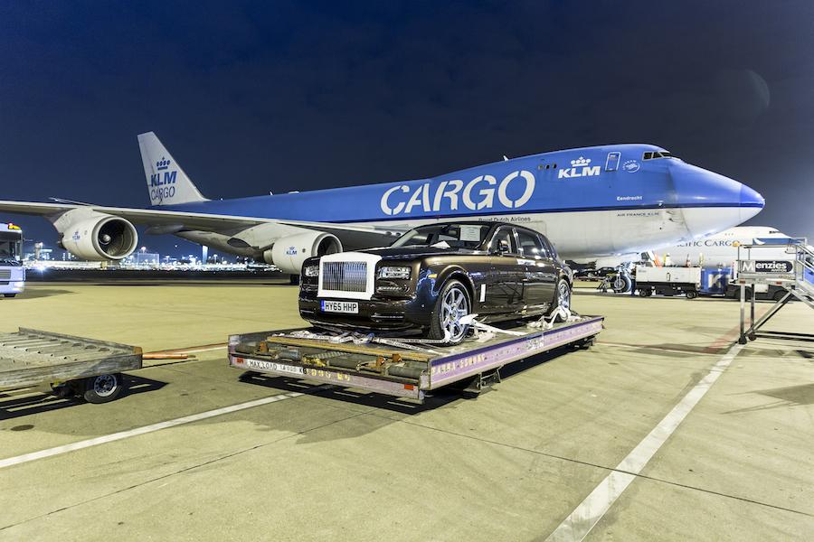 Hoeveel Rolls-Royces passen er in een vliegtuig?