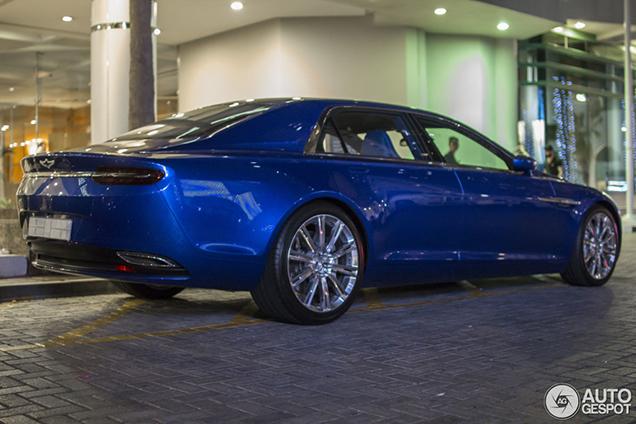 Genieten van een nieuwe Lagonda Taraf op Autogespot