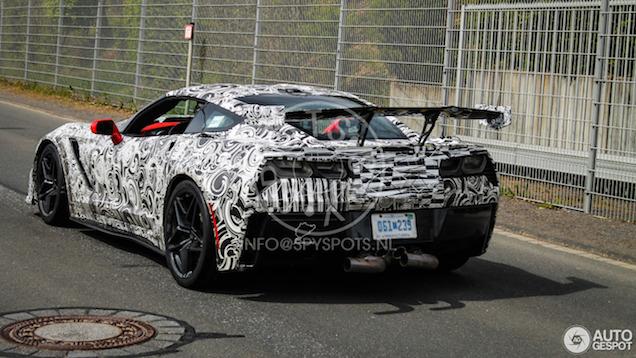 Nieuwe Corvette C7 ZR1 wordt een bizarre verschijning