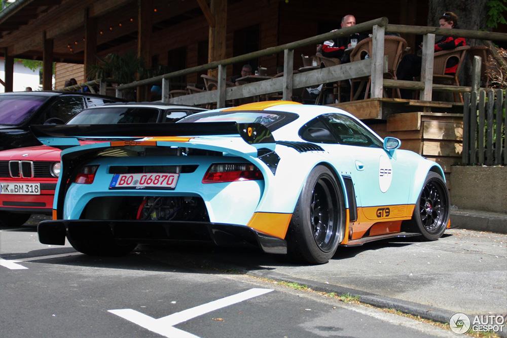 Topspot: The bizarre, yet striking Porsche 9ff GT9 CS