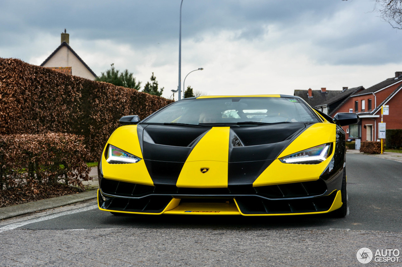Lamborghini Centenario LP770-4 is weer uit de garage