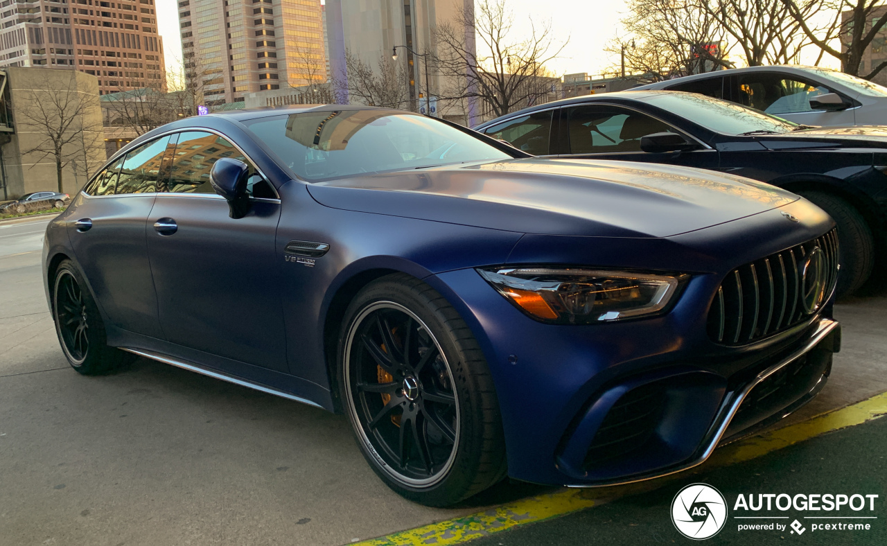 Mercedes-AMG GT 63 S is stunning in blue