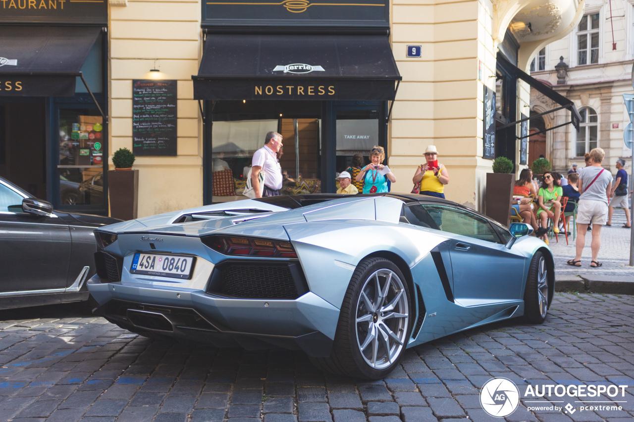 Lamborghini Aventador Roadster doet het goed bij de dames