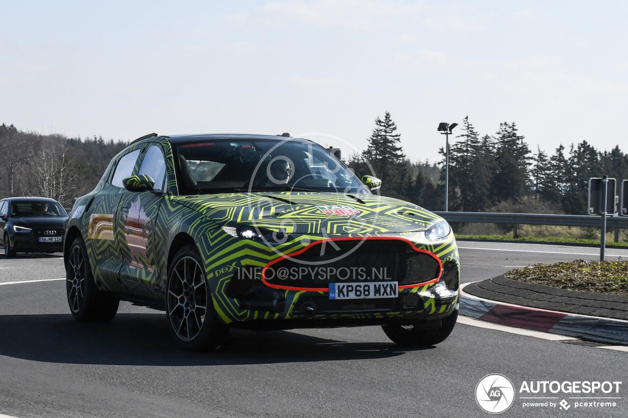 Aston Martin DBX begint met testen op de Nürburgring