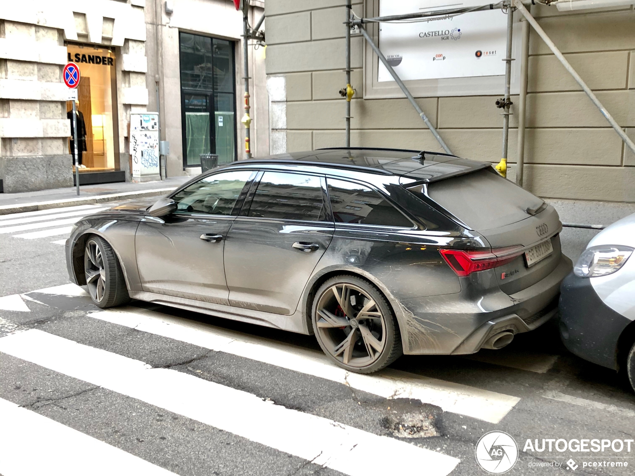 Audi RS6 Avant C8 overtreedt alle regels