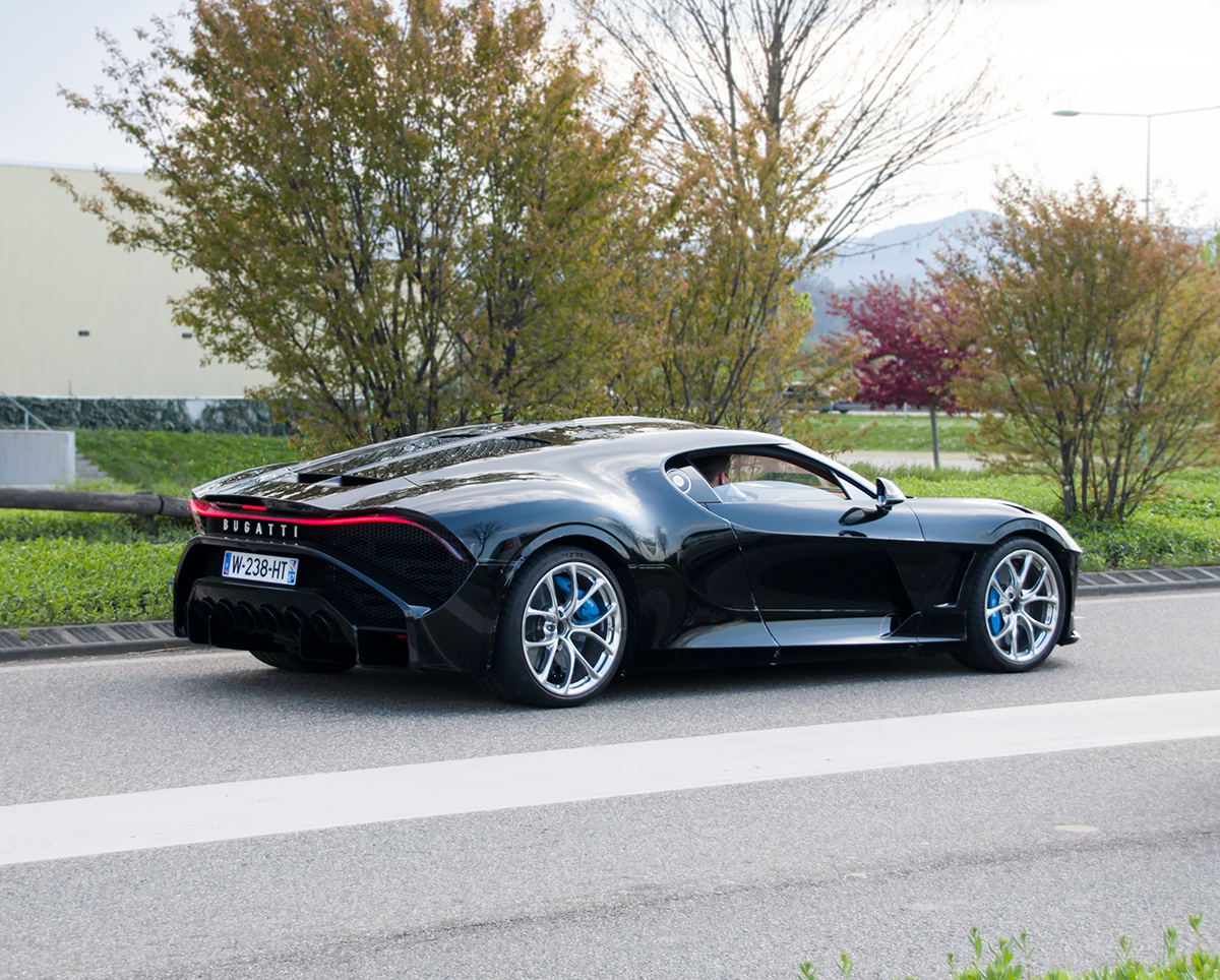 Bugatti La Voiture Noire shows up on streets of Molsheim