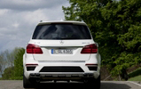 Fist pictures of the Mercedes-Benz GL 63 AMG!
