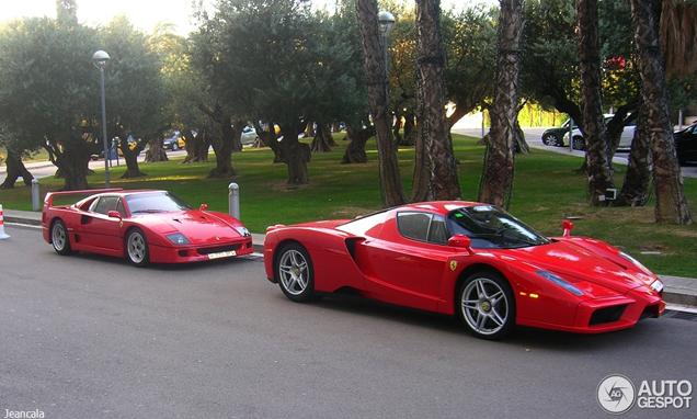 Twee iconen samen gespot: Ferrari Enzo Ferrari en een Ferrari F40!