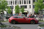 Matte red from Maranello: Ferrari FF