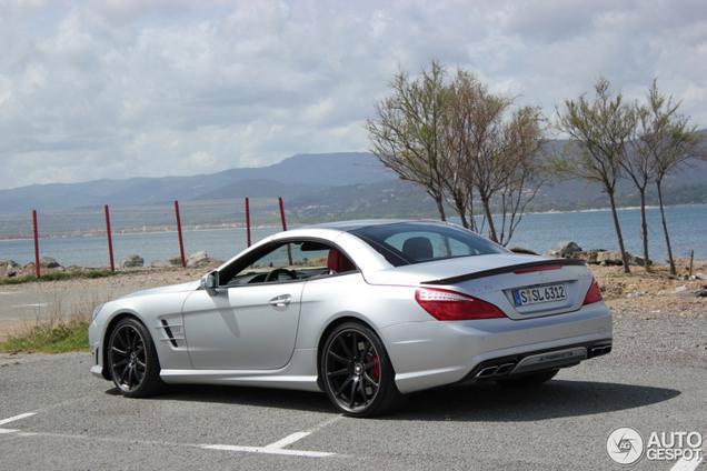 In vol ornaat gespot: Mercedes-Benz SL 63 AMG R231