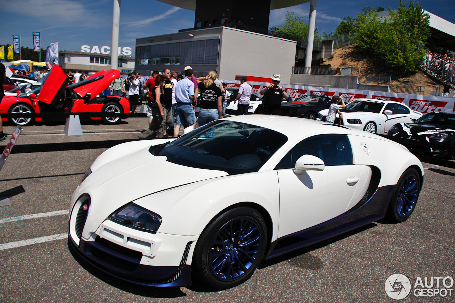 bugatti veyron super sport performance with Sport Auto High Performance Days 2012 Veyron 164 Super Sport In Nieuwe Kleuren on 23888 moreover Tata Indica Vista Electric Hd Pictures in addition Sport Auto High Performance Days 2012 Veyron 164 Super Sport In Nieuwe Kleuren furthermore Gold Lamborghini Aventador 1 in addition 10 Most Wanted Fastest Cars In The World 2016.