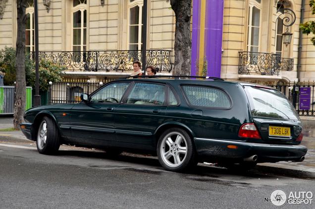 Unieke Jaguar XJR Estate gespot!