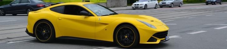 Une Ferrari F12berlinetta joliment personnalisée