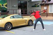 Usain Bolt prend possession de sa propre Nissan GT-R Spec Bolt