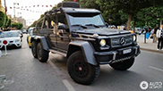 Enorme Mercedes-Benz G 63 AMG 6x6 gespot in Tunis