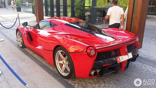 Eigenaar verruilt Bugatti voor LaFerrari