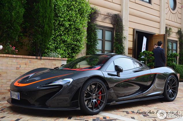 Eerste McLaren P1 eindelijk vastgelegd in Monaco!